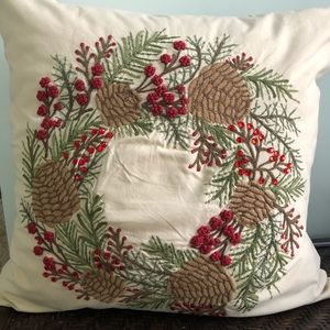 """Pottery Barn Embroidered """"Pinecone & Berry"""""""